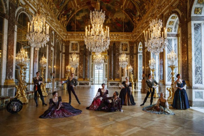 Opéra Atelier: Versailles-Persee. The artists of the Opera Atelier from their production of Persée in the Hall of Mirrors at the Royal Palace of Versailles. Photo: Bruce Zinger.
