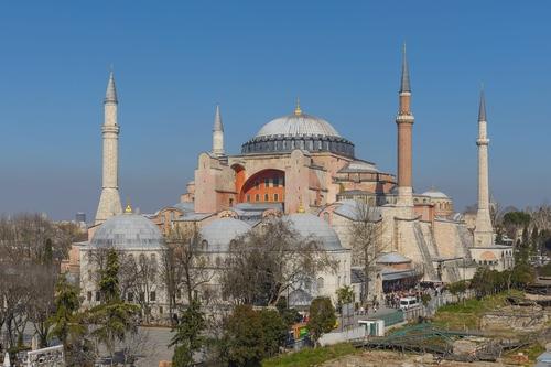Hagia Sofia in Istanbul, by Arild Vågen • CC BY-SA 3.0